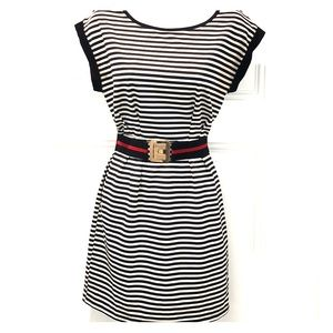 Black & White fitted dress removable belt. LARGE